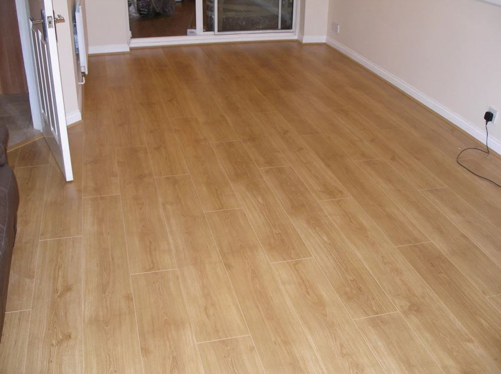 Boyer Elm Dark – Laminate